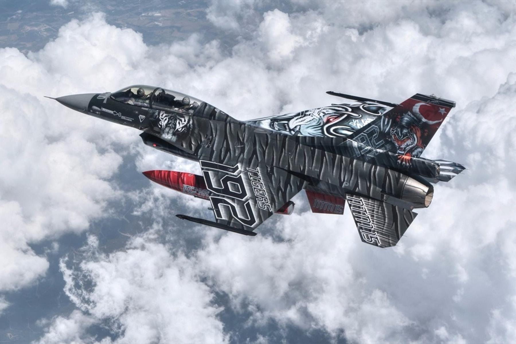 Saygıner Reklam F-16'ları folyo kaplıyoruz!